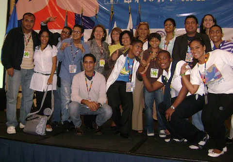 "Young Leaders Gather To ""Arm Peace"" In Central America"